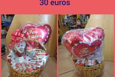 Cestas de chuches para San Valentín.